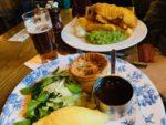 本場イギリスの美味しいパブご飯 ビールを飲みながらフィッシュアンドチップスとビーフパイを!