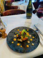 パリ散歩 セーヌ川沿いの小さなレストラン
